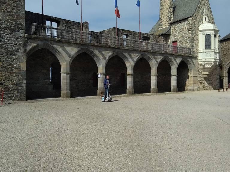 Gyropode , chateau de Vitré