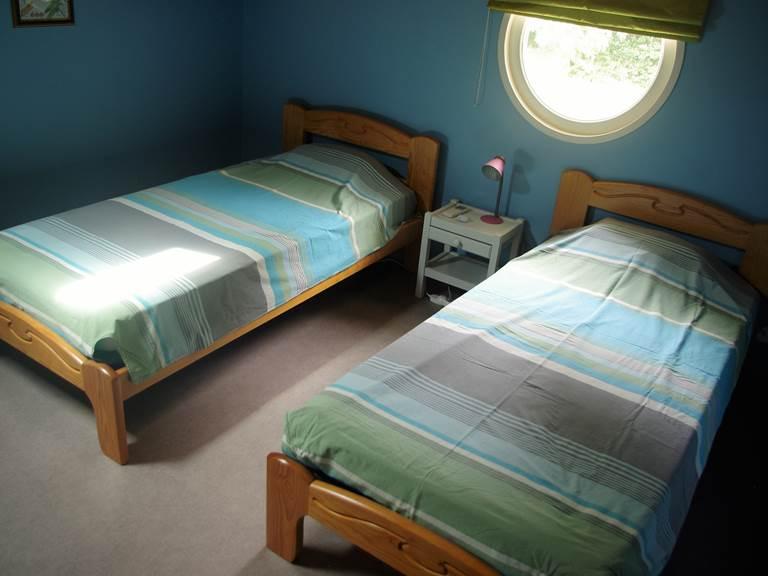 lits individuels  chambre à l'étage