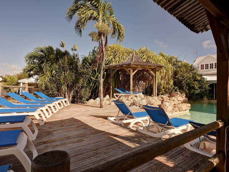 Transat piscine hostellerie guadeloupe