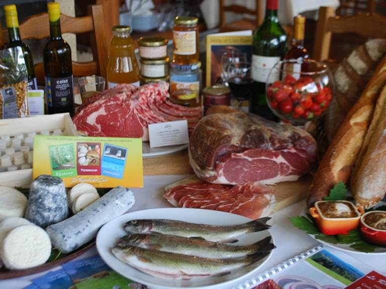 table_produits_locaux FOOD TOUR