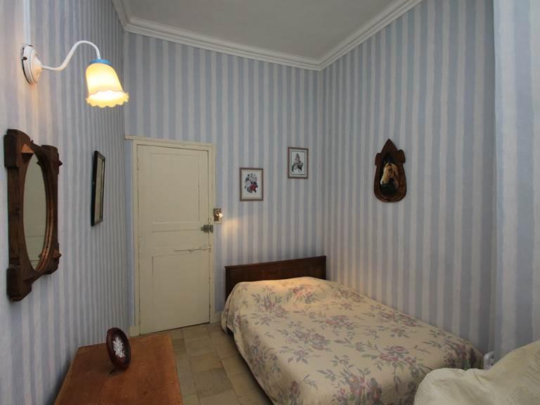 Suite L'Orangerie petite chambre attenante avec lit 140 x 190