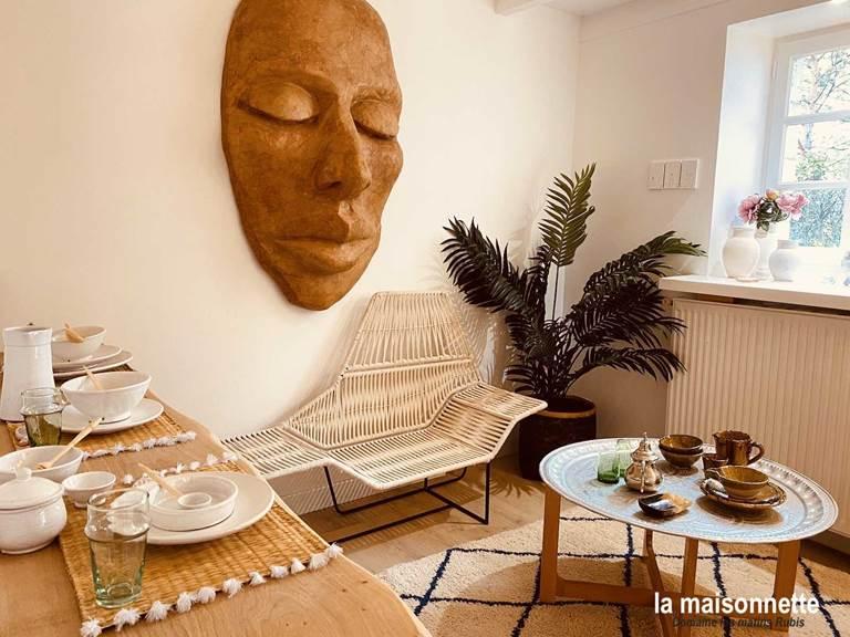Coin repas de la Maisonnette des matins rubis (chambre d'hôte près de Toulouse)