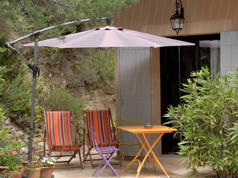 la terrasse de la chambre les oliviers
