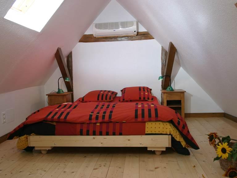 Chambre à coucher lit 2 places