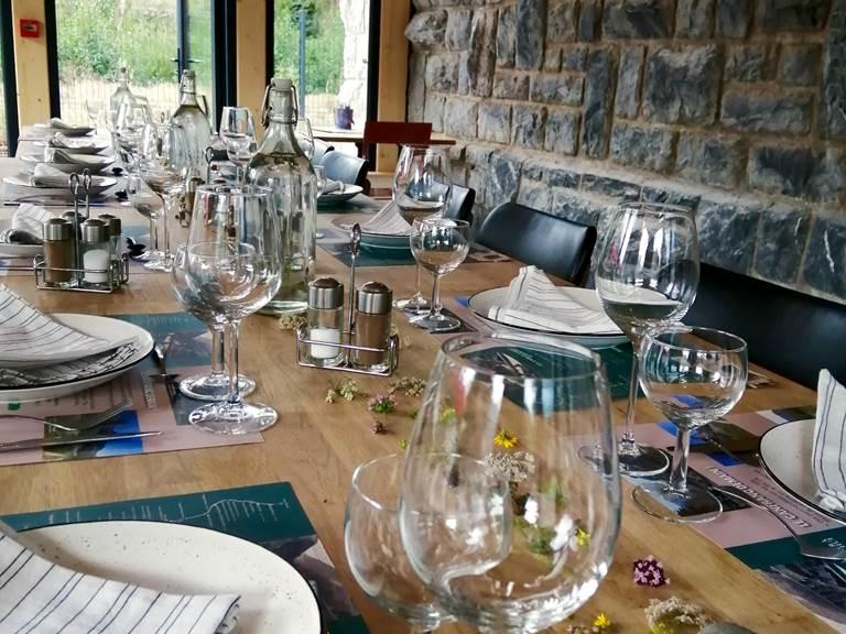 table veranda