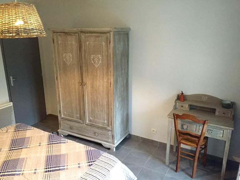 armoire  et bureau
