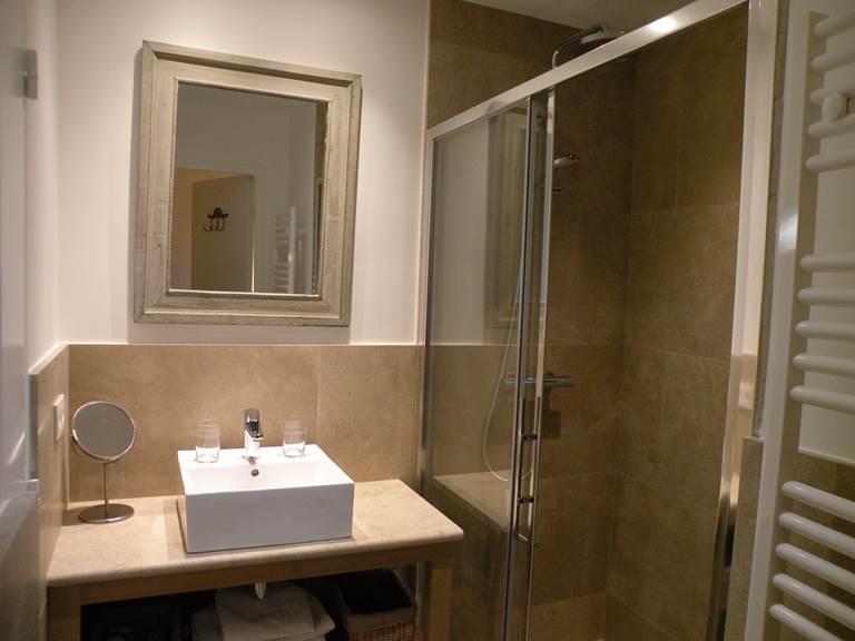 Salle de bain chambre d'amis