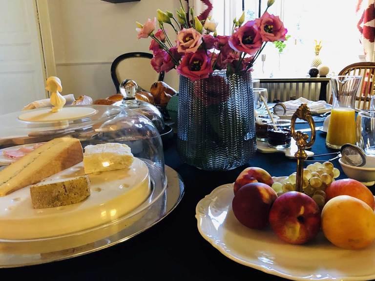 Petit dejeuner chambre-d-hote lesmatinsrubis-tarn-et-garonne-occitanie-location-toulouse