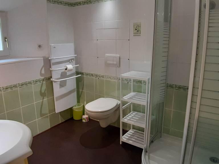 Moulin de Montizeau - gite - maison du meunier - salle d'eau - salle de bains