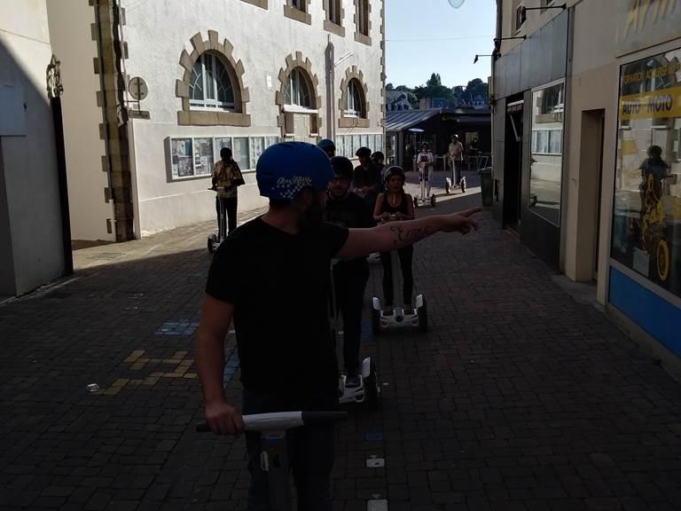 Balade gyropode , rue piétonne de Binic . 082018