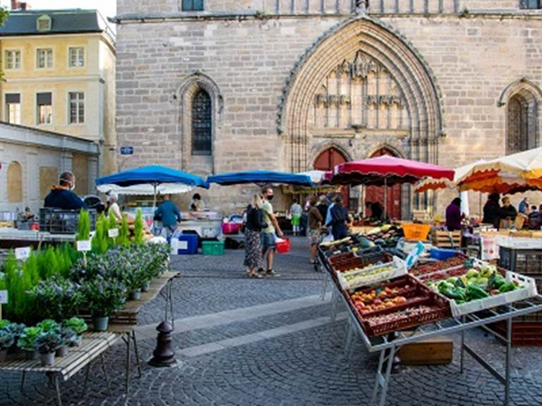 Sur le marché de Cahors ©%A0Cyril Novello - Lot Tourisme 200909-092055