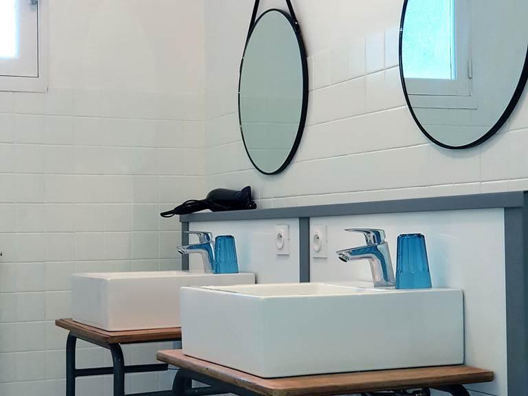 salle bain dortoir 2