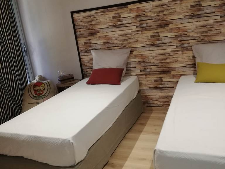 chambre 2 lits etage