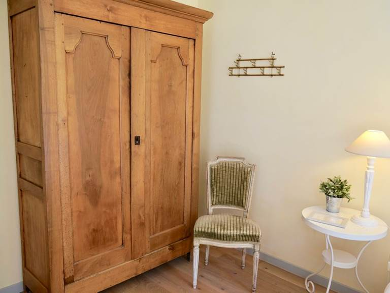 Chambre Acanthe détails de décoration aux chambres d'hôtes la Rougeanne près de Carcassonne dans l'Aude