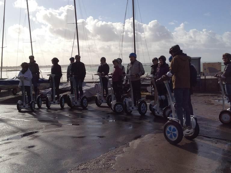 Equipe de pilotes , plage du Pont Roheneuf, Saint Malo.10-2017