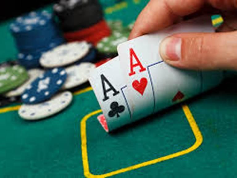initiation poker table hôtes la forestière quercy