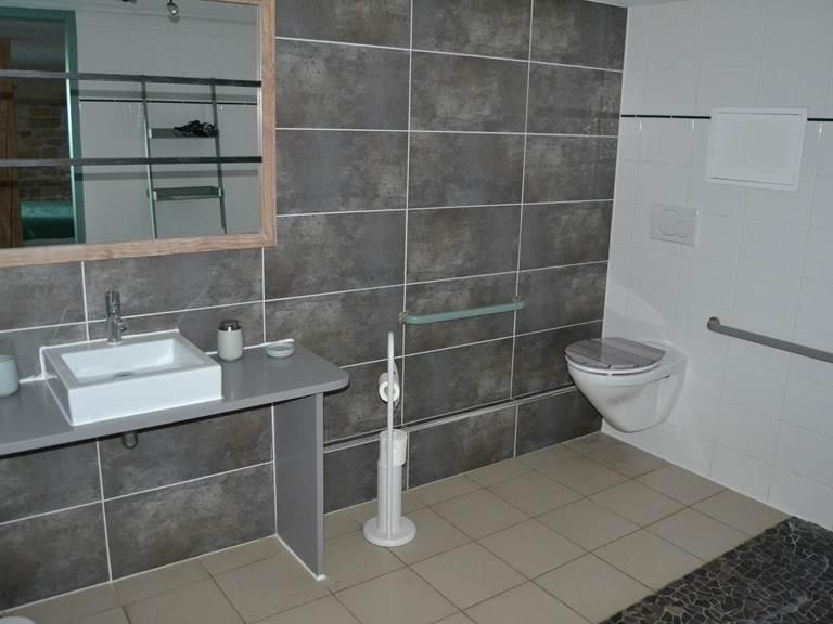 Salle d'eau - Chambre d'hôte NATURE (40 M2) à la Rochelle Lodge