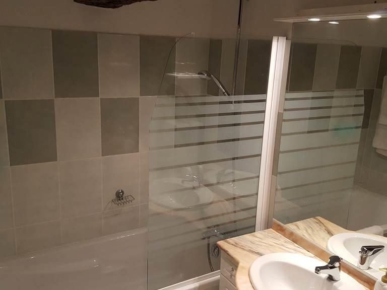 salle de bains chambre 2