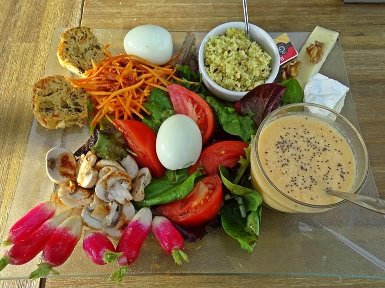 les instants voles jacuzzi privatif.exemple assiette végétarienne