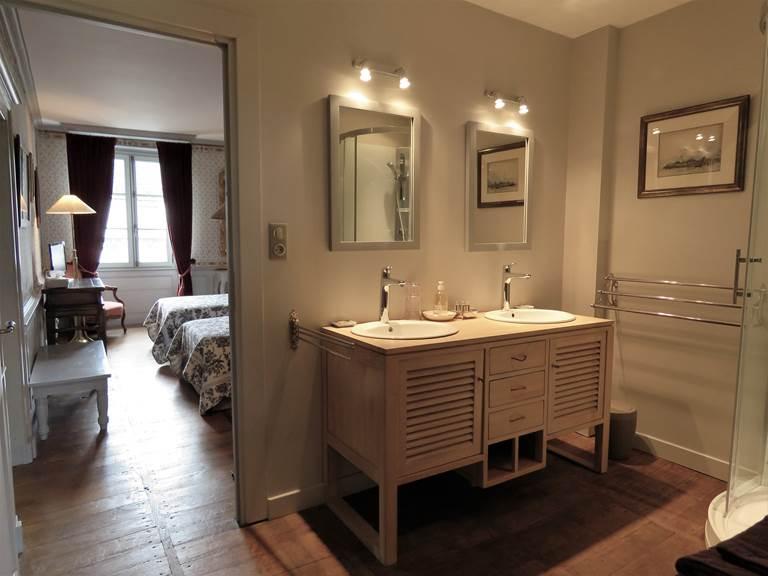 Suite De Beauverger, salle de bain.