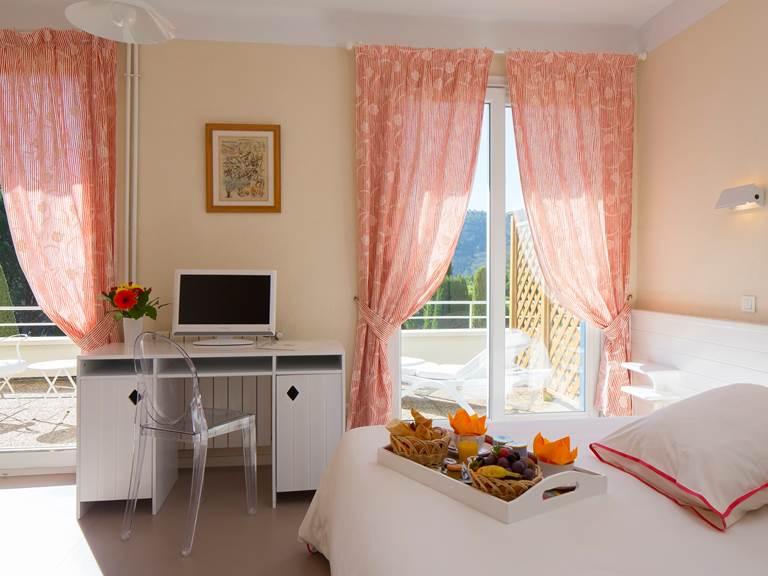 Chambre Grand Confort - Hôtel Le Verdon  à Gréoux-les-bains
