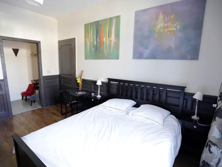 la_petite_cour-chambre-gauche-peintures-virginie-roussel-photographies