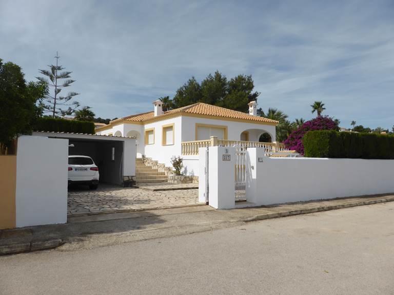 Villa Dénia trois chambres parking piscine caution.jpg