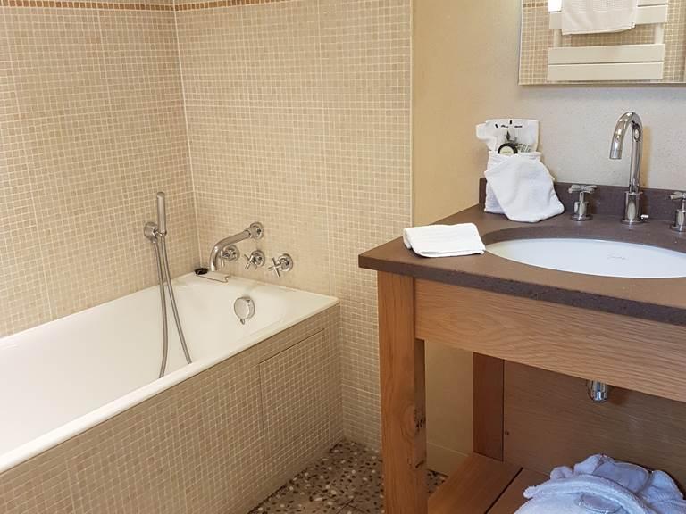 Salle de bain suite Figuier ou Oyats