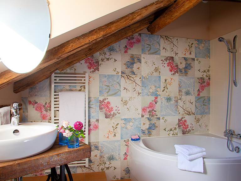 Raffinement des céramiques italiennes pour salle de bain divine !