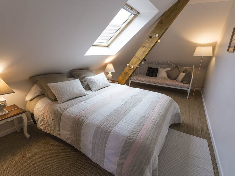 Chambre double avec lit-banquette