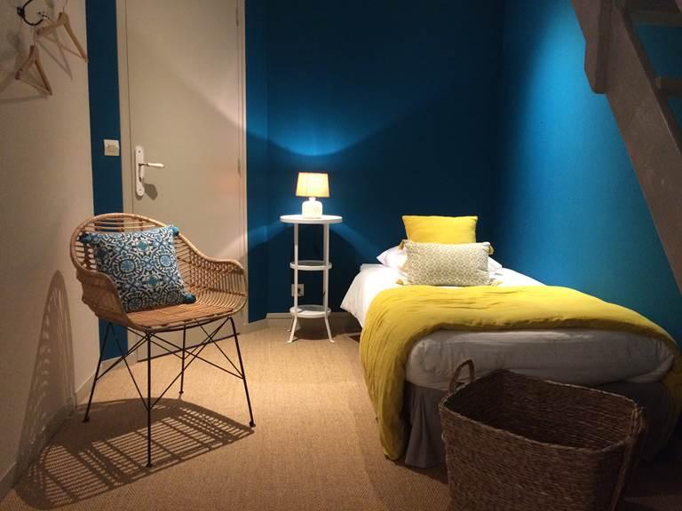 Chambre Guillaume espace enfants, lits simples