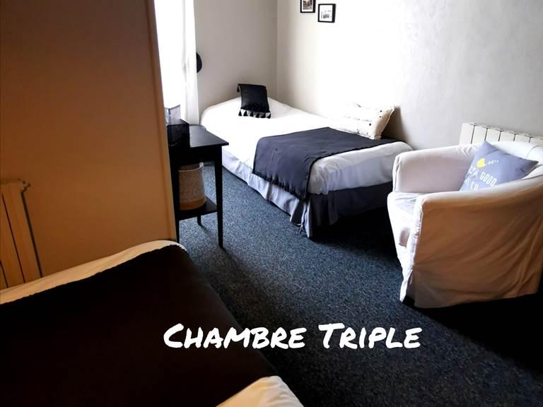 Chambre triple, lit double + lit simple
