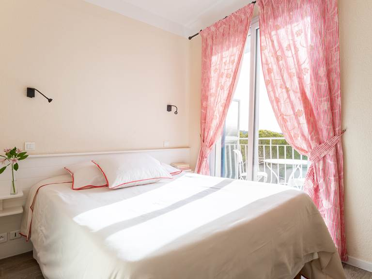 Chambre Classique - Hôtel Le Verdon  à Gréoux-les-bains