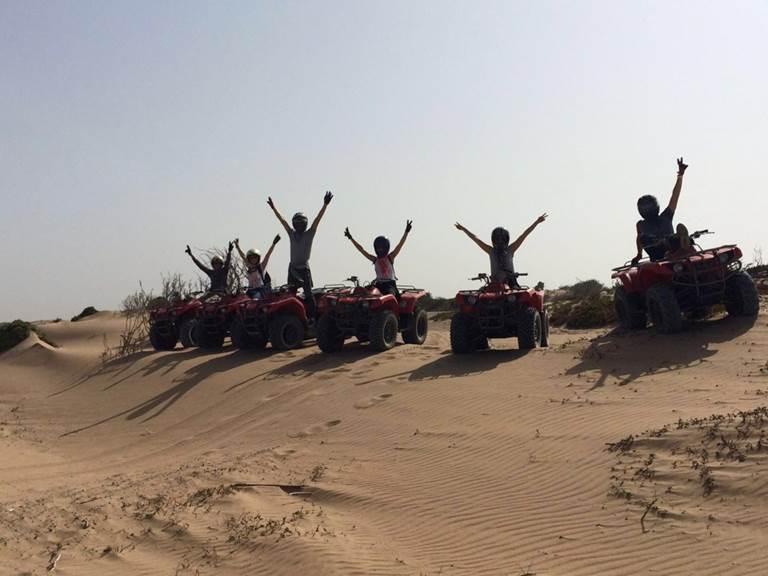 Quad dans les dunes