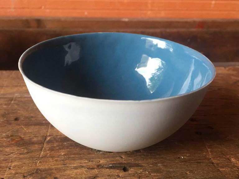 bol bleu en porcelaine cours de poterie chambre-d-hote les matins rubis-tarn-et-garonne-occitanie-location-toulouse