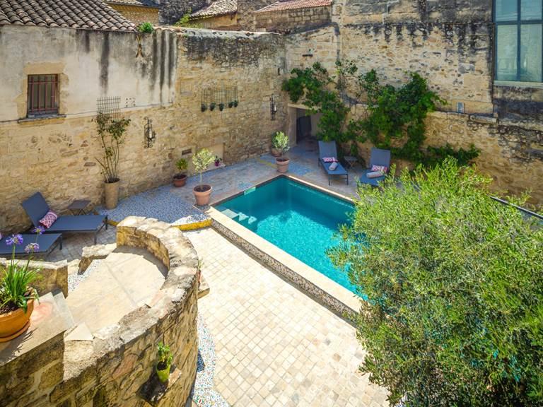 Espace extérieure avec piscine
