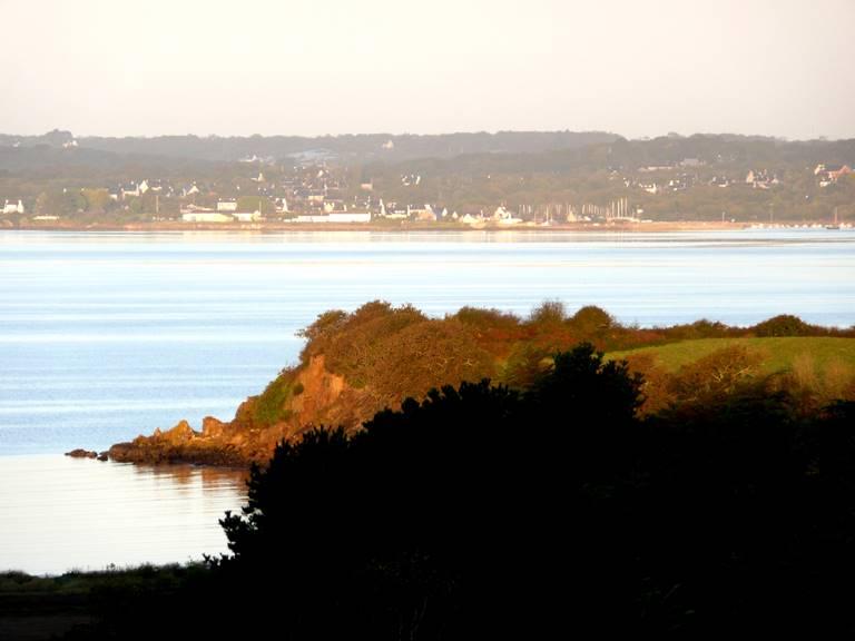 La pointe du Château vue depuis les chambres d'hôtes et gîtes de Gouelet-Ket Ile de Sein