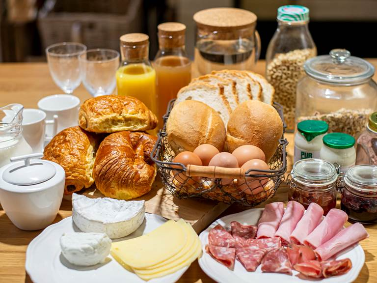 au petit Dragon b&b - petit-déjeuner à base de produit bio