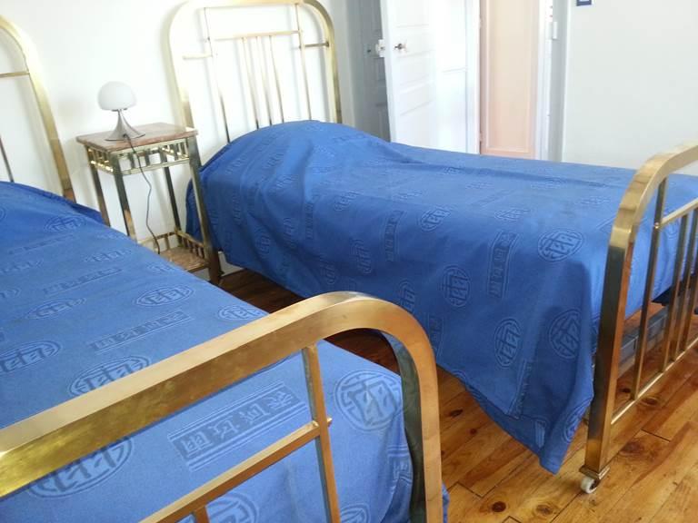 Villa Les Charmilles, gîte à Royère de Vassivière, chambre bleue