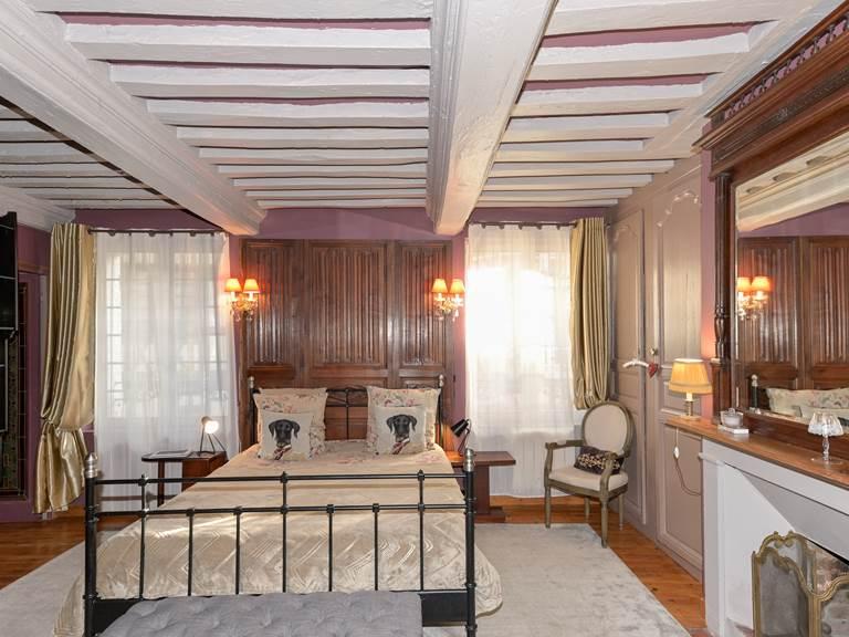 Chambre double - 1er étage -  Lit queen size