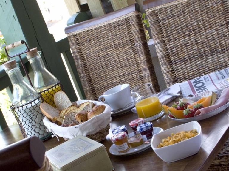 hotel-le-relais-de-vellinus-restaurant-beaulieu-sur-dordogne-070827
