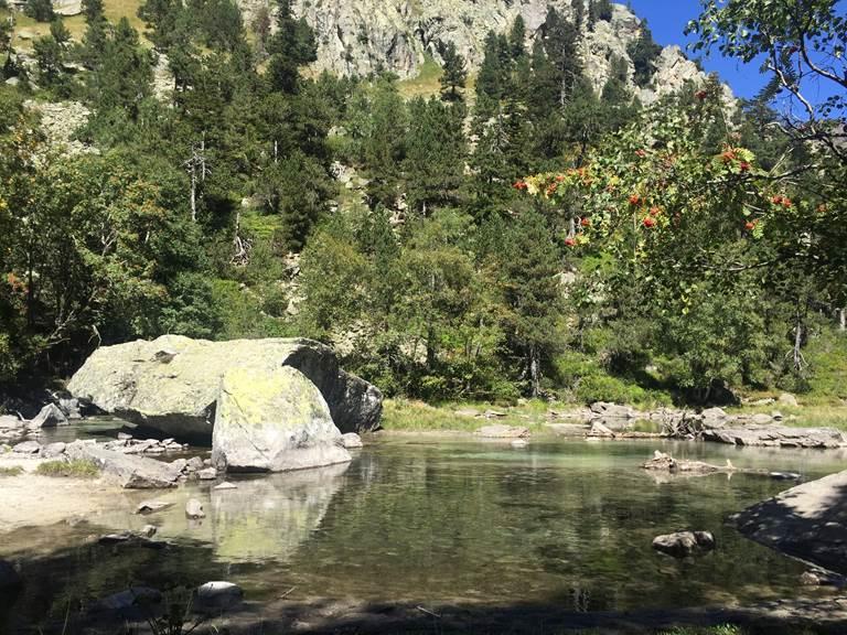 LA CLAOU en Montant au Refuge du Larribet Val d'Azun Pyrénées