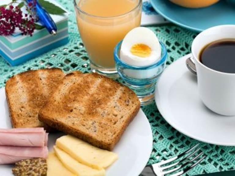 petit dejeuner continental chambres hôte monclar de quercy