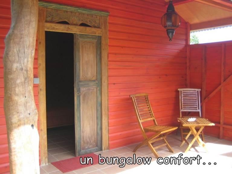 Extérieur bungalow confort rouge