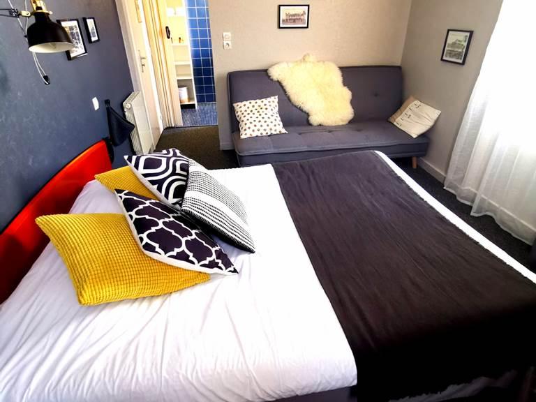 chambre familiale, lit double + Canapé lit