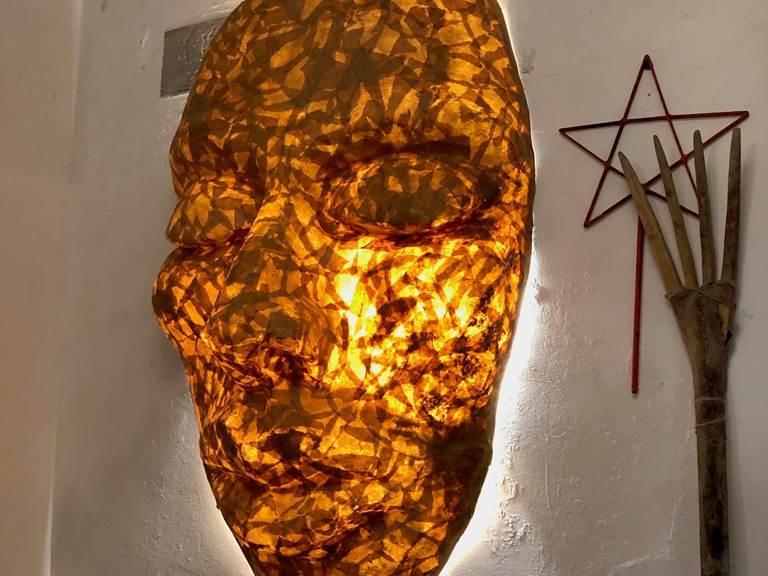 lampe murale Masque africain