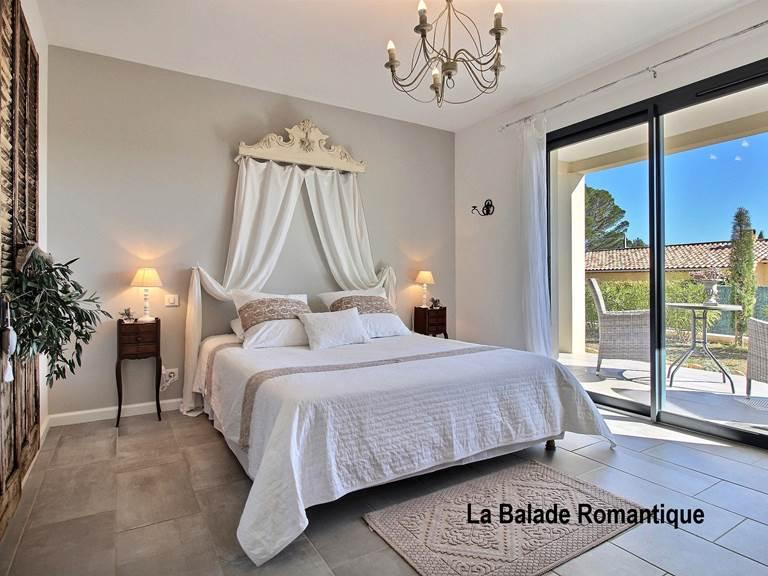 chambre hôtes romantique séjour amoureux couple flayosc draguignan verdon tourtour calme