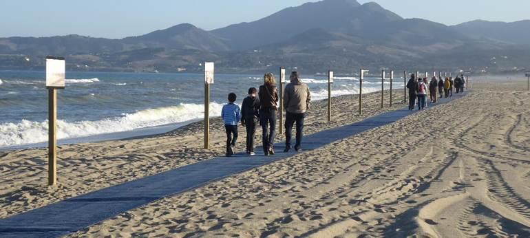 exposition de photos d'archives sur la plage d'Argelès  à l'occasion des 80 ans de la Retirada