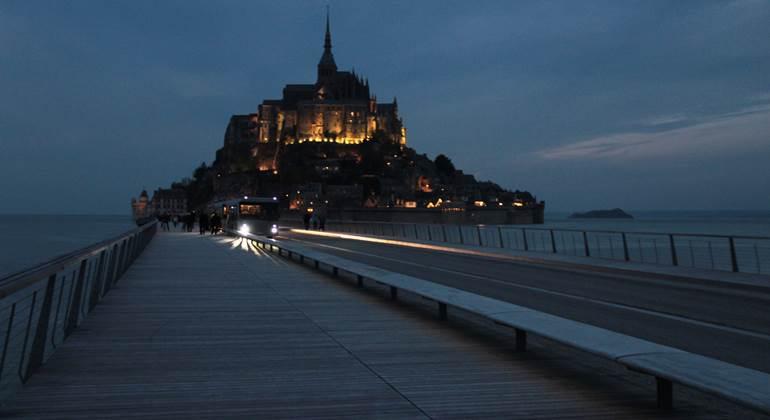 Le Mont Saint-Michel by night