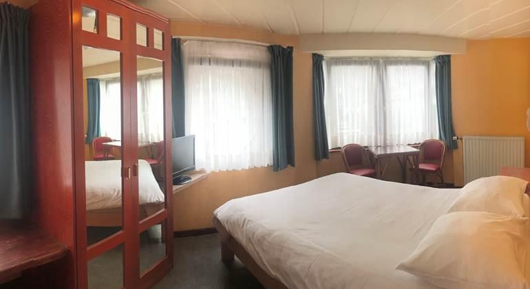 Vue panoramique de la chambre 11 Twin ou Double pour bien se rendre compte de sa description mais pas de sa dimension.  Ici la Chambre 11 en Double.